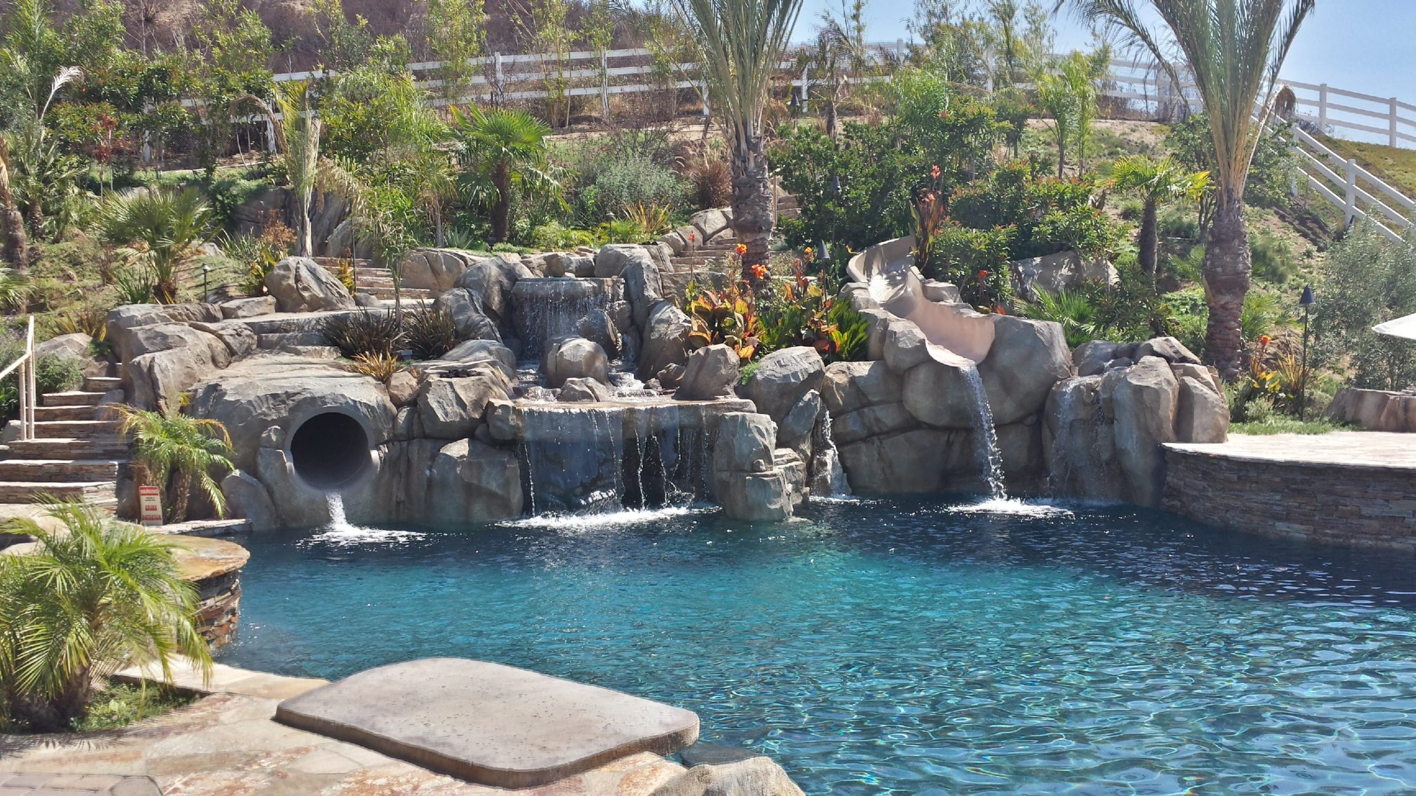 Los Angeles: Choosing the Best Pool Designs & Shapes for ...