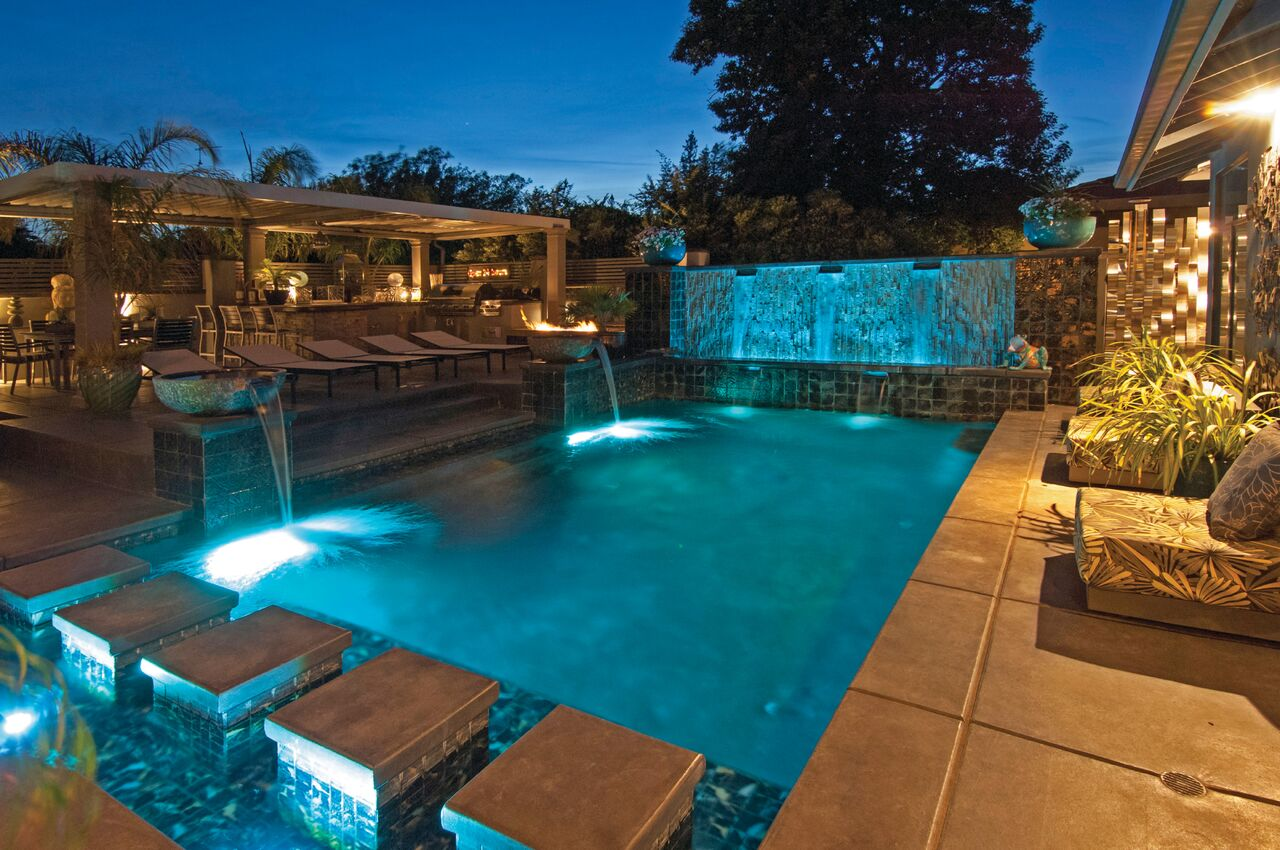 Compliment Your Home's Modern Architecture with a Geometric Swimming Pool