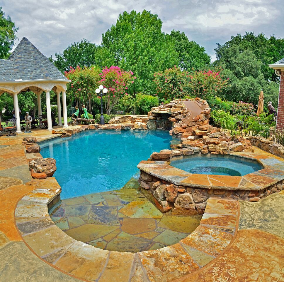 pool building & landscaping